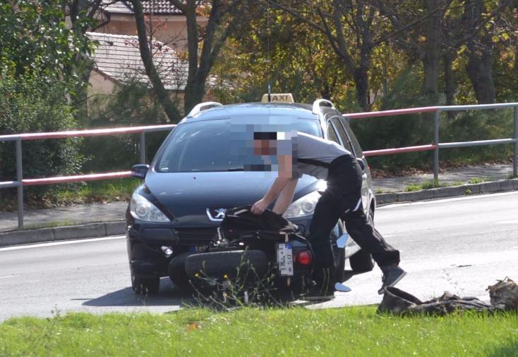 BALESET: Taxis ment neki egy motorosnak a dunaszerdahelyi felüljárónál
