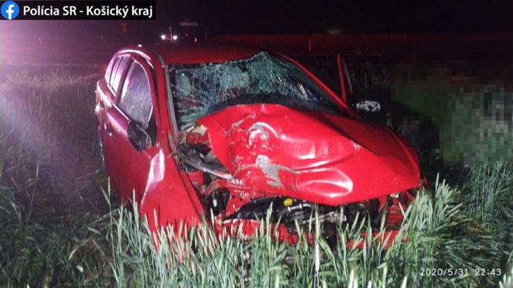 Tragikus baleset: Fának hajtott a sofőr a T alakú kereszteződésben, nem élte túl