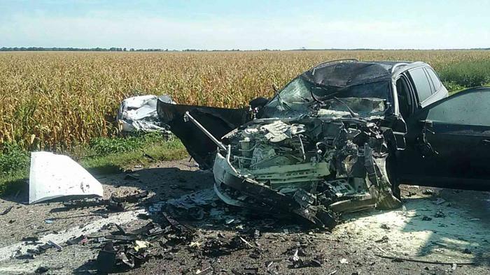 TRAGÉDIA: Két autó és egy kamion karambolozott, egy ember szörnyethalt a Galántai járásban!