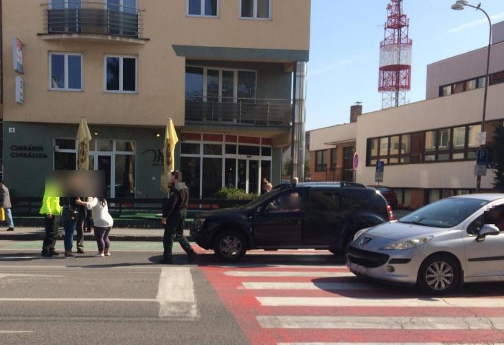 Elütöttek egy nőt a dunaszerdahelyi Fő utcán!