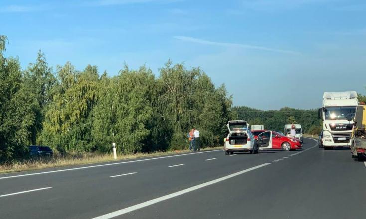 BALESET: Karambol Dunaszerdahely határában a 63-ason
