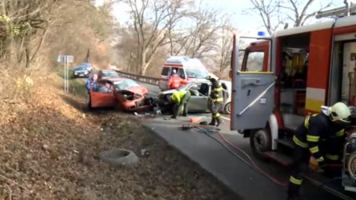 SÚLYOS BALESET: Eszméletlen állapotban szállították kórházba a 23 éves sofőrt