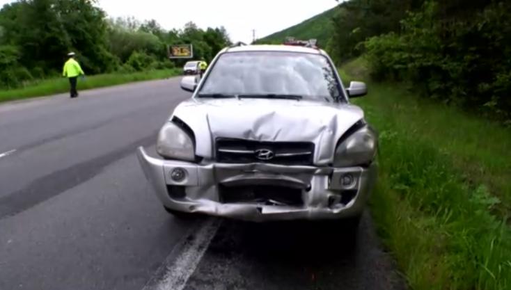 Hátulról rohant bele egy autóba a terepjáró – gyerek is van a sérültek közt