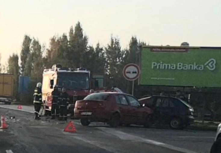 Közúti baleset akadályozta a közlekedést Alistálon