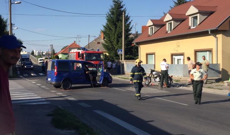 BALESET: Furgon ütközött motorkerékpárral Dunaszerdahelyen!