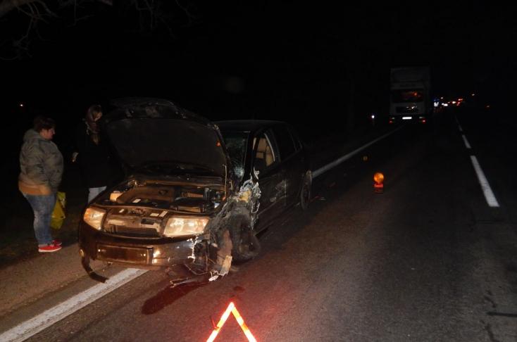 SÚLYOS BALESET: Előzés közben történt frontális karambol a 63-ason!