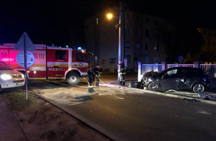 BALESET: Oldalról rohant bele egy Fiat egy Fordba a dunaszerdahelyi Sport utcán!