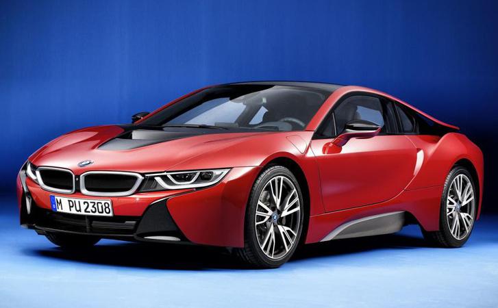 Egyedi szériákkal készül a BMW
