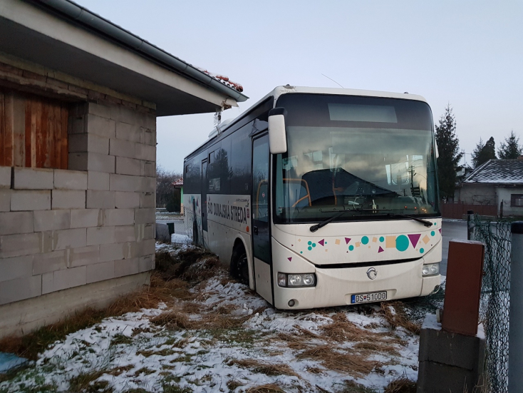 Egy rakás karambol történt a csúszós utakon a Dunaszerdahelyi járásban!