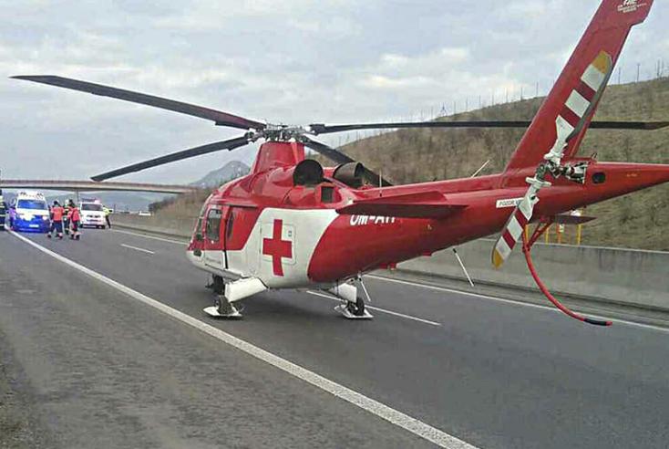 Helikopter is keresi azt az elrepült motorost, amelyik kereket oldhatott