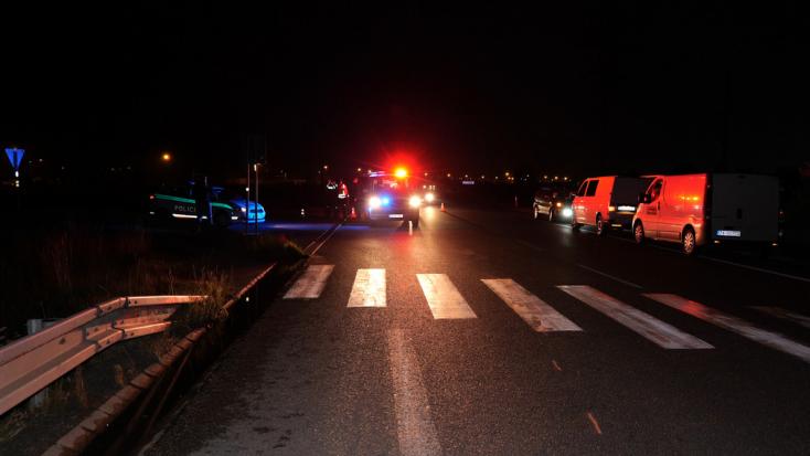 Tragikus baleset: kisbusz gázolt halálra egy gyalogost a koromsötétben