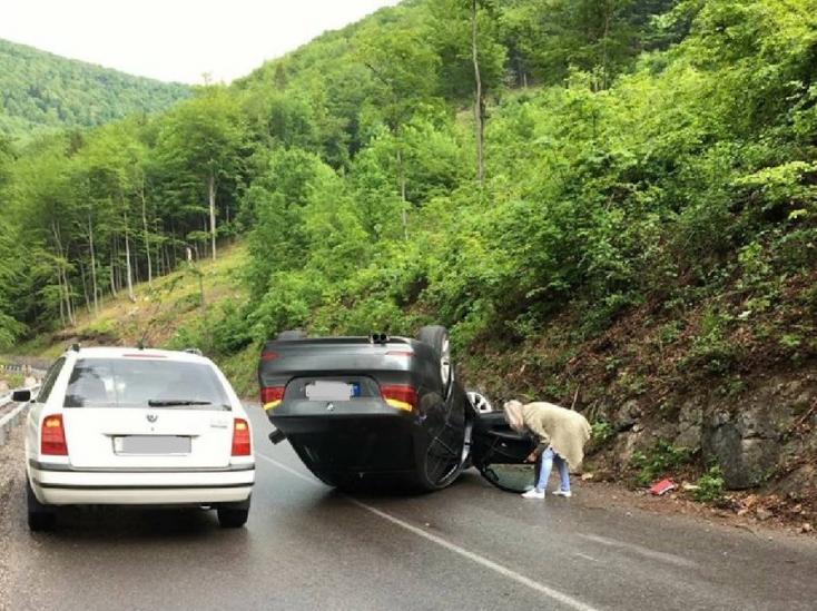 BALESET: Egyelőre rejtély, hogy sikerült ezt összehoznia a BMW-nek (FOTÓ)