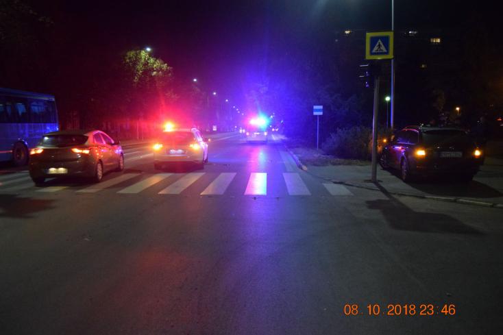Halálos baleset: Hatalmas sebességgel gázolt el a Mercedes egy fiatal nőt