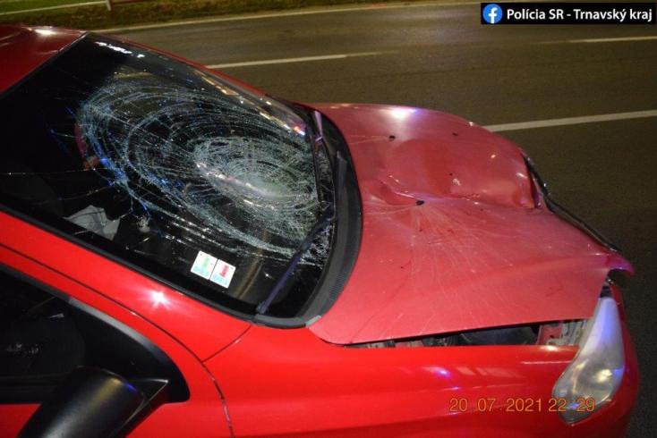 A telefonját nyomkodta vezetés közben? 19 éves lány gázolta el fékezés nélkül a zebrán átkelő férfit!