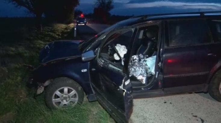 BALESET: Fának csapódott az ittas sofőr