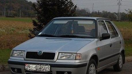 BALESET: Fiatal nőt gázolt a Felicia, a sofőr elhajtott!
