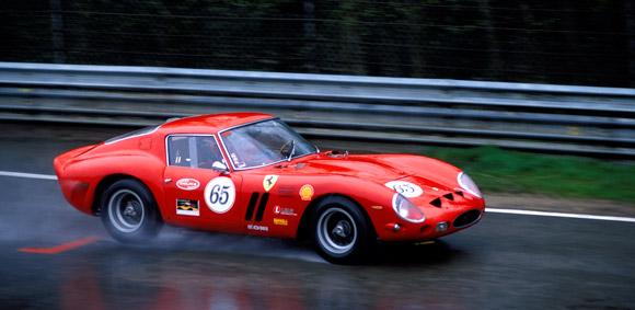 Hetvenmillió dolláros rekordáron kelt el egy 55 éves Ferrari