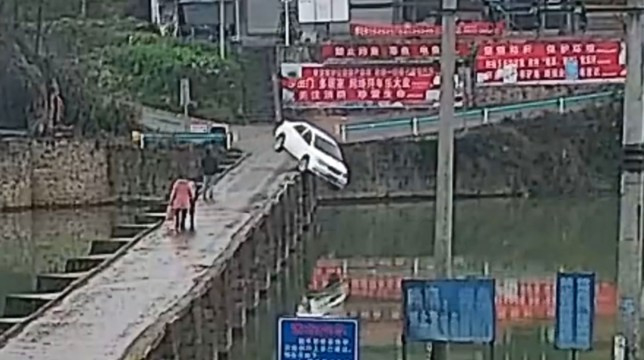 Tíz perccel a jogsija megszerzése után hajtott a folyóba egy kínai férfi – VIDEÓ
