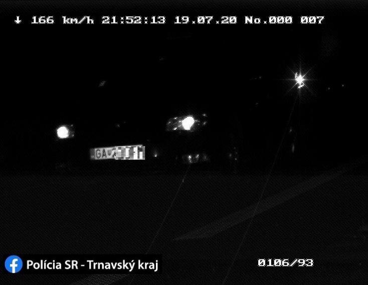 Ezek a sötétben is látnak, és le is kapták azt a taxist, aki 166-tal hasított Galánta és Diószeg között