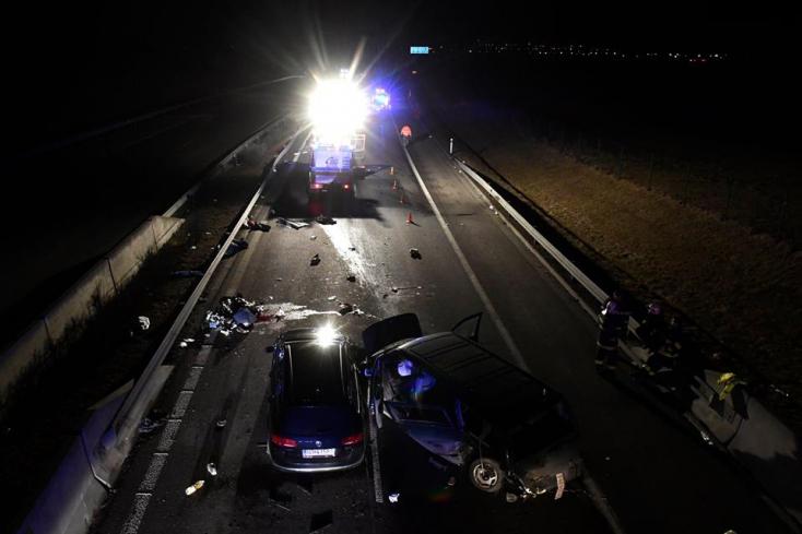 Két áldozatot követelt egy baleset a D1-es autópályán