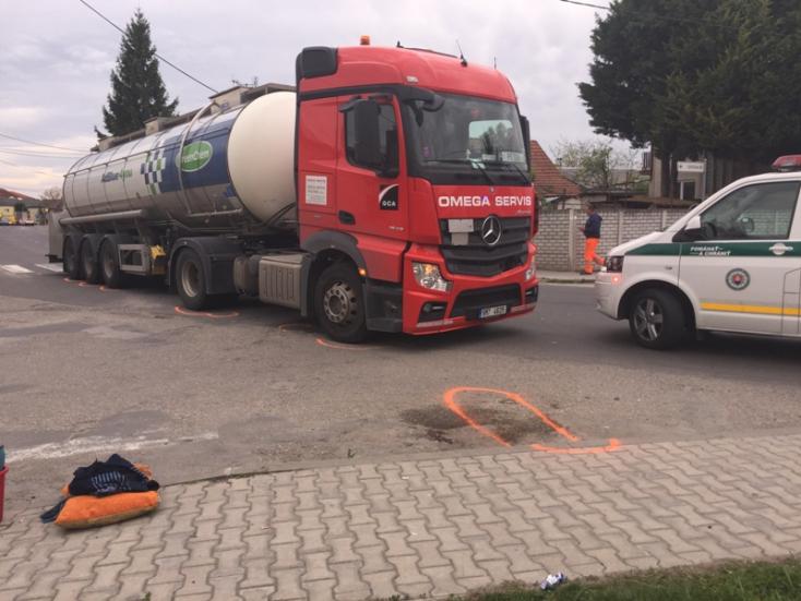 TRAGÉDIA: Elhunyt a fiatal, akit elgázolt egy kamion Nagymegyeren