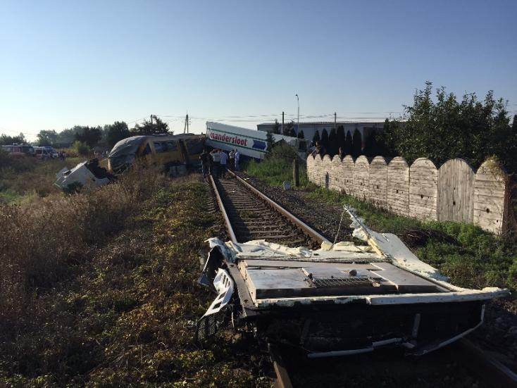 Nagymegyeri vonatbaleset: Öt kórházba vitték a sérülteket, négyen kritikus állapotban vannak!