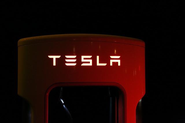 Jelentősen csökken a Tesla Model 3 ára