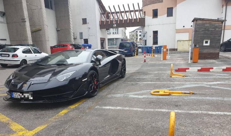 Végy egy Lambót és Szerdahelyen bárhol parkolhatsz!