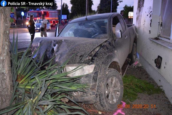 Budapesti sofőr okozta a súlyos balesetet Légen, két dunaszerdahelyi macedón sérült meg súlyosan (Fotók)