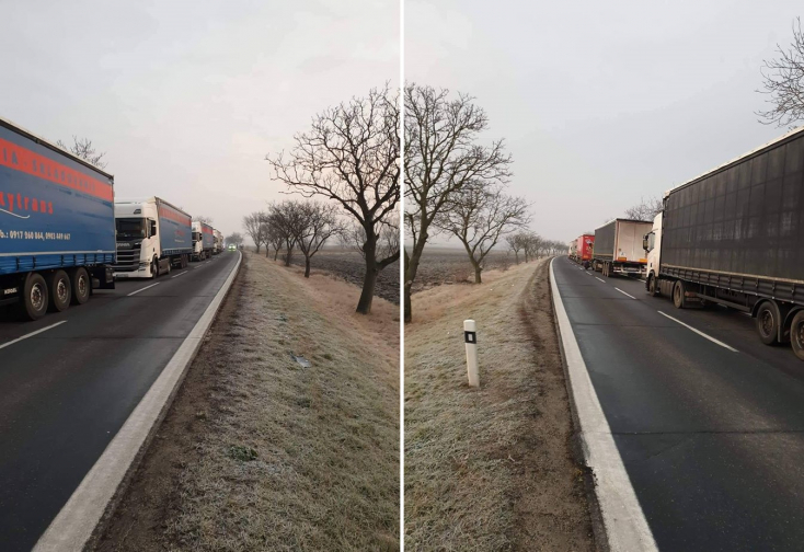Kilométeres a kamionsor a medvei benzinkút környékén