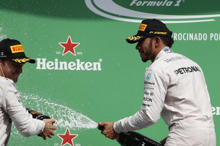 Hamilton felszabadultabb, Rosbergen nagyobb a nyomás
