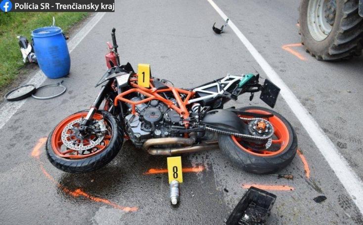 HALÁLOS BALESET: Traktorral ütközött a motoros, esélye sem volt a túlélésre