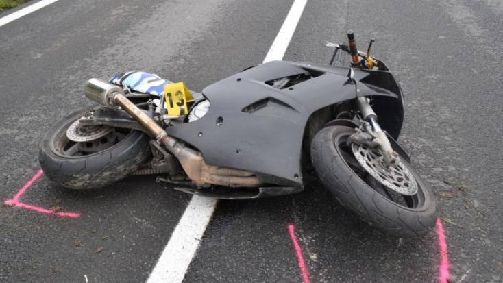 TRAGÉDIA: Őzzel ütközött a motoros, belehalt