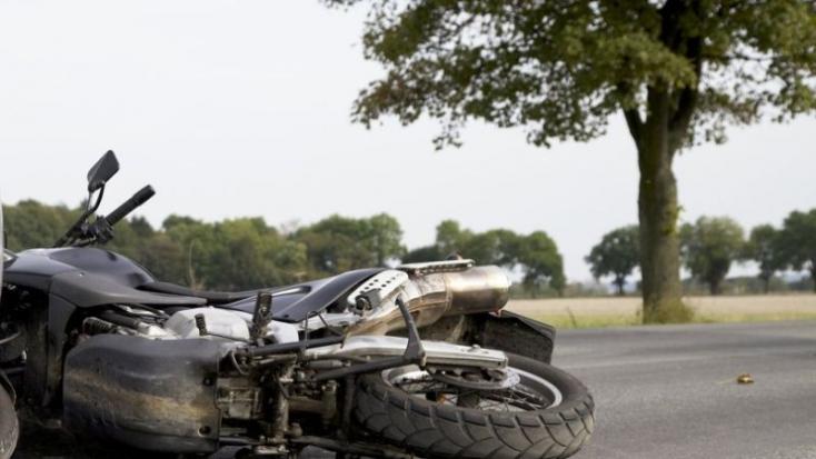 BALESET: Motoros elé hajtott ki egy Superb