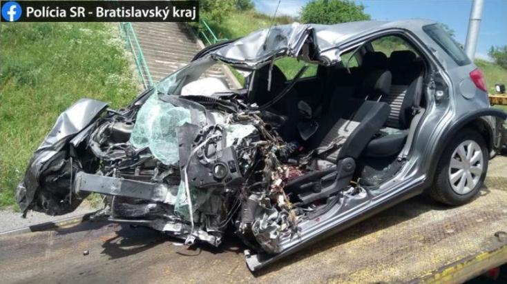Betonpillérnek csapódott a Suzuki, a sofőr a helyszínen meghalt