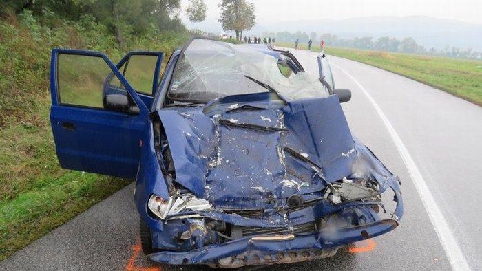 SÚLYOS BALESET: Kombájnnal ütközött a Škoda Felicia