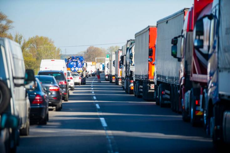 Miután megborult a közúti forgalom, Matovič magyarázkodik (Videók)