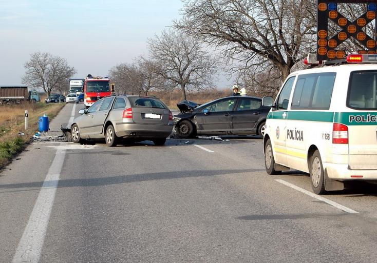 Mi a különbség a baleset és a káreset közt?