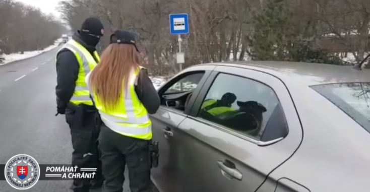 Szerdától civil ruhás rendőrök is ellenőrzik a járványügyi intézkedések betartását