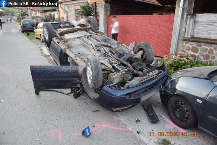 Az már csaknem kaszkadőrmutatvány, amit ez a részeg fószer csinált a leparkolt kocsikkal