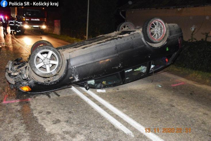 Így végezte a kocsi, miután sofőrje lehajtott vele az útról, de hamar kiderült, miért