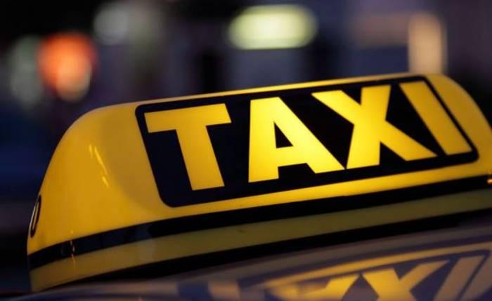 SÚLYOS BALESET: Kislányt gázolt el egy taxis a zebrán!