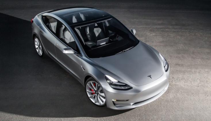 Terv szerint készül a Model 3 piacra dobására a Tesla