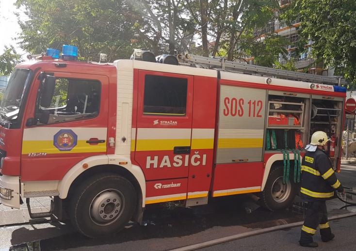 CSÚSZÓS UTAK: Tűzoltók is pórul jártak Vásárútnál