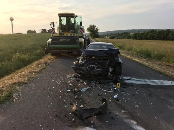 FRONTÁLIS KARAMBOL: Az Octavia vétlen sofőrje a helyszínen meghalt