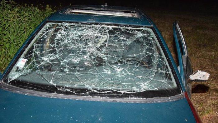Balesetet okozott a felelőtlen autós – a sérült nőt hátrahagyva elment kocsmázni