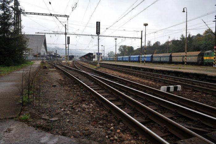 Vonat elé hajtott egy autós, azonnal meghalt
